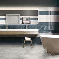 Luxury hi-tech bathroom with big mirror and window. 3d render